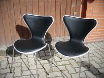 Arne Jacobsen Stühle, neue Polsterung und Bezug, Leder
